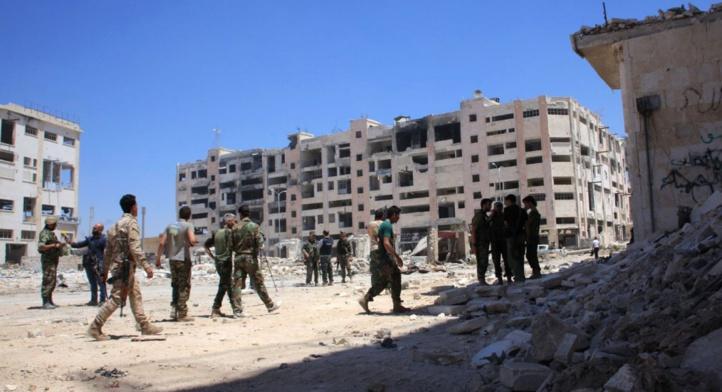 Le régime syrien et son allié russe intensifient les frappes sur les zones rebelles