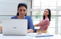 """High-tech : HP lance les premiers PC portables avec écran """"anti-regards"""""""