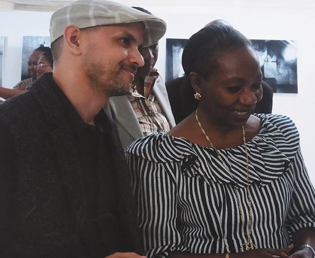 L'artiste photographe Achraf Baznani expose ses œuvres en Côte d'Ivoire