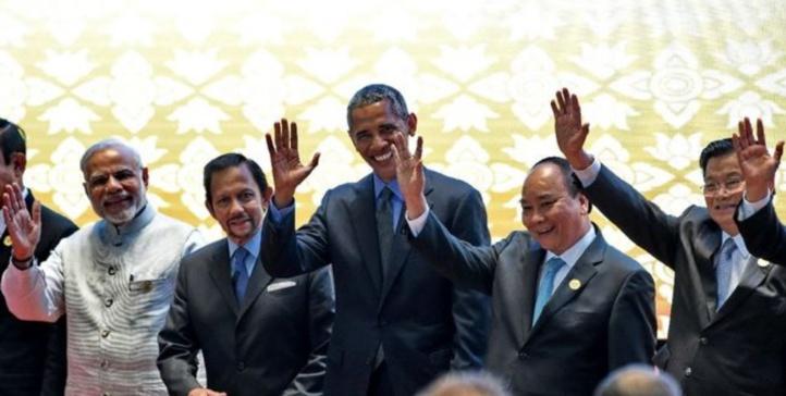 Obama hausse le ton face à Pékin sur la mer de Chine lors du Sommet asiatique au Laos