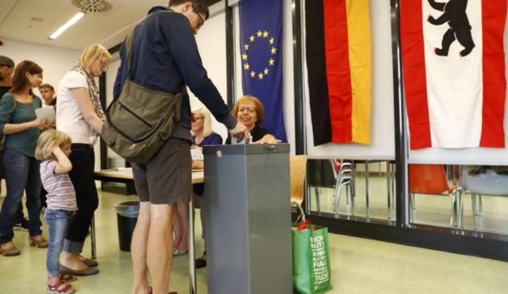 Les populistes infligent un nouveau revers électoral à Merkel