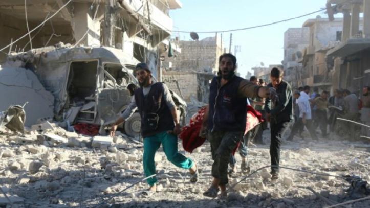 Le régime syrien pousse à Alep-Est et force une entrée dans la ville