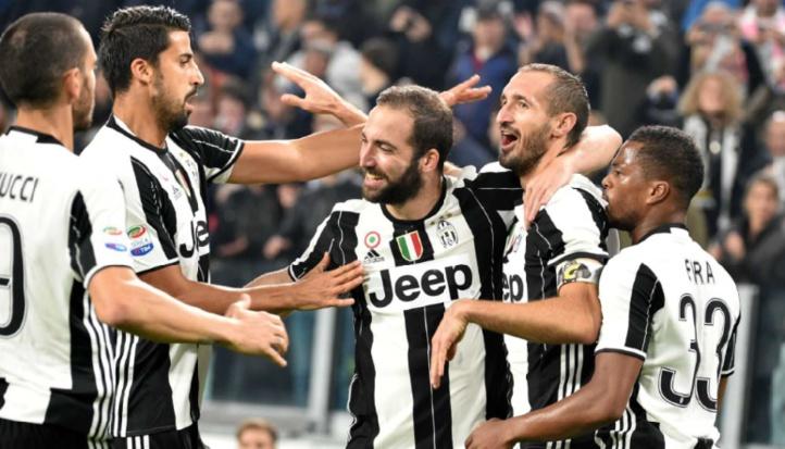 Calcio : La Juventus repart, la Roma suit et l'Inter se réveille