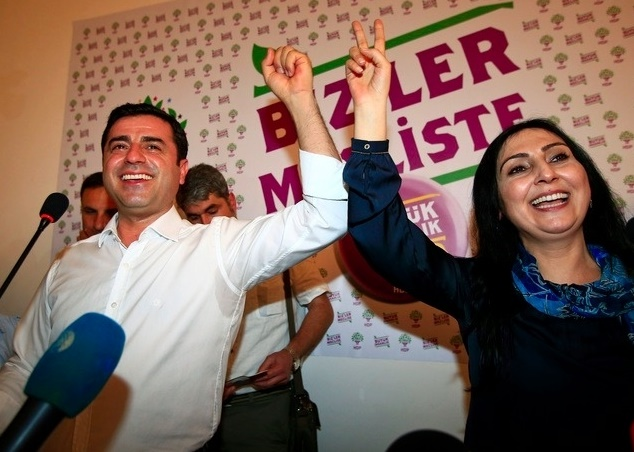 Les chefs du principal parti prokurde de Turquie arrêtés