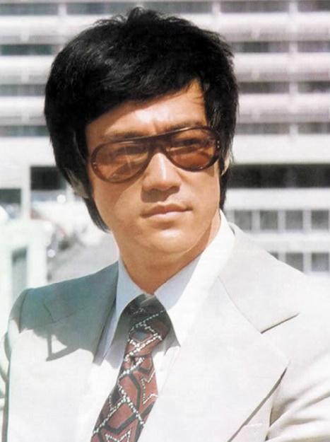 Les acteurs brillamment diplômés de l'Université : Bruce Lee
