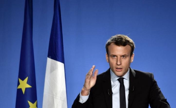 L'ex-ministre Emmanuel Macron annonce sa candidature à la présidentielle française