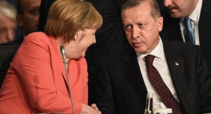 Merkel contre de nouveaux pourparlers d'adhésion Turquie-UE