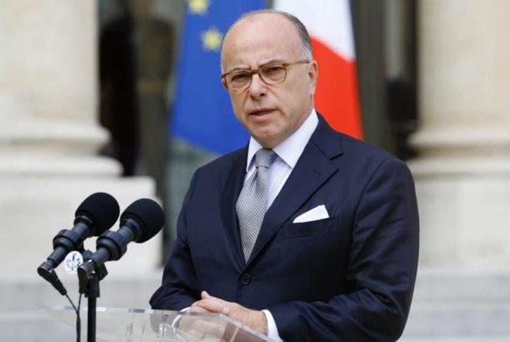 Bernard Cazeneuve Premier ministre jusqu'à la présidentielle de 2017