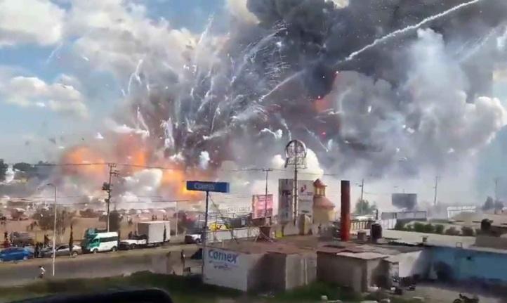 Explosion dans un marché de feux d'artifice au Mexique