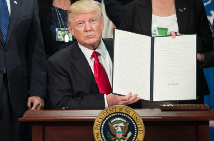 Donald Trump lance son projet de mur à la frontière mexicaine