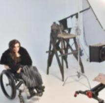 En Ukraine, la première mannequin en chaise roulante brise les tabous