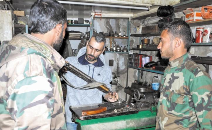 Réparer des armes, un commerce prospère dans la Syrie en guerre