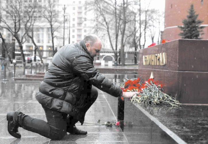 La Russie en deuil après l'attentat du métro à Saint-Pétersbourg