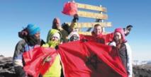 Le drapeau marocain hissé au sommet du Kilimandjaro