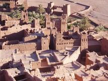 D'Aït Benhaddou à Targa en passant par un chapelet d'autres constructions en terre