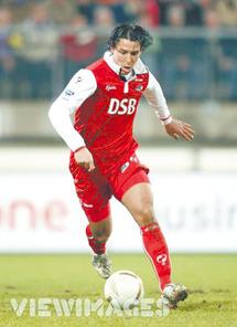 Il fait le bonheur de l'AZ Alkmaar et domine les buteurs du Vieux Continent