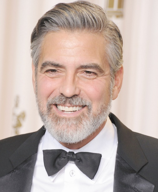 Ces célébrités qui ont fait des études étonnantes : George Clooney: Etudes de journalisme