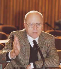 """Le philosophe autrichien Hans Köchler: """"Israël doit réparer et payer ce qu'il a détruit"""""""