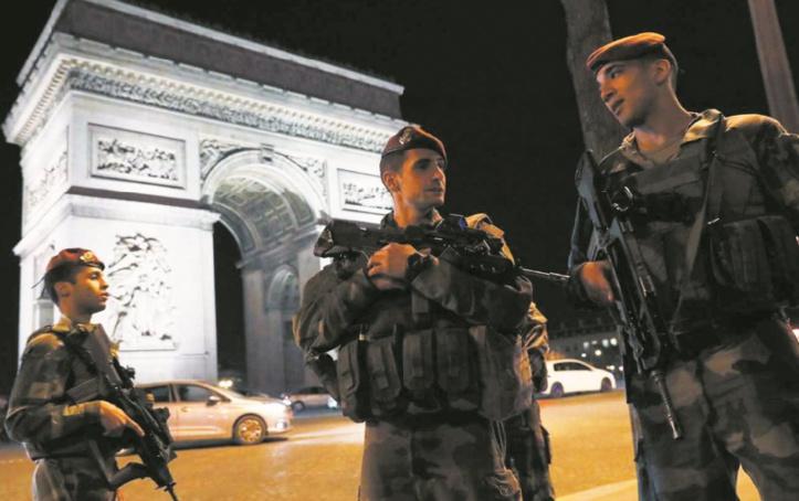 La campagne présidentielle bouleversée par une attaque à Paris