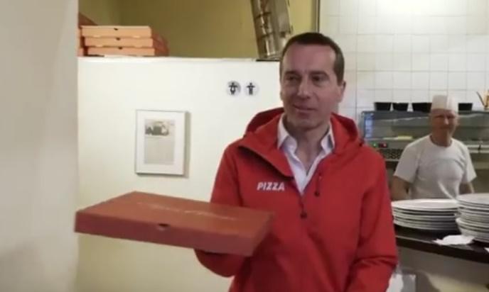 Insolite : Autriche, le chancelier livre des pizzas pour aller parler avec ses électeurs