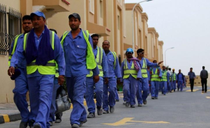 Des travailleurs du Mondial au Qatar passent des examens de santé