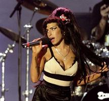 Amy Winehouse rejetée par sa maison de disque