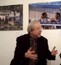 """Entretien avec le photographe Claude Mollard : """"Je trouve dans les choses le reflet des personnes"""""""