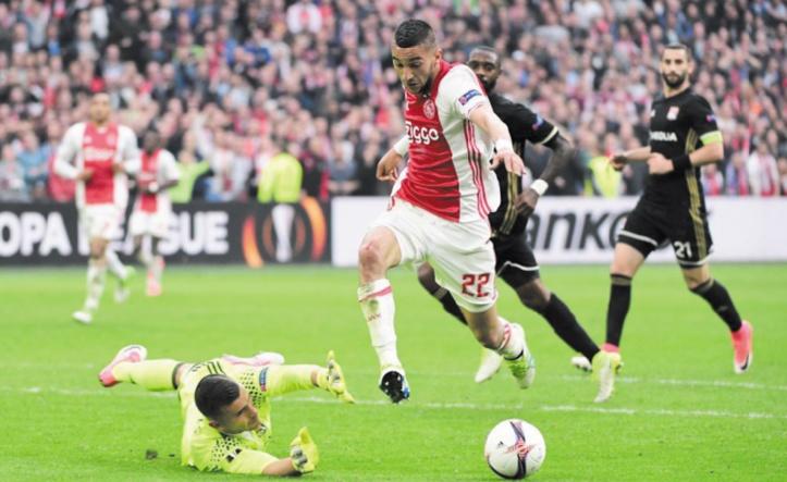 Lyon taillé en pièces à Amsterdam