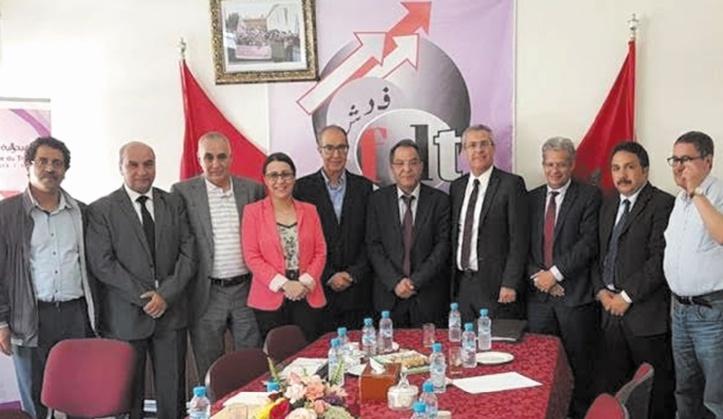 Mohamed Ben Abdelkader s'entretient avec les dirigeants syndicaux