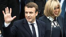 Mer de drapeaux, cris de joie et hymne européen: Macron fête sa victoire au Louvre