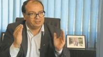 Hassan Najmi reçoit le Prix du livre des Compagnons de Gutenberg