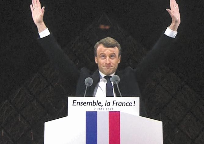 Félicitations Royales à Emmanuel Macron