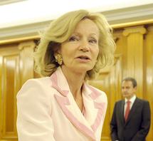 Le président du gouvernement espagnol procède à un remaniement ministériel : Jose Luis Zapatero resserre son équipe