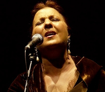 Carmen Linares présente sa nouvelle création «Verso a Verso» au Théâtre national Mohammed V : Hommage à la poésie