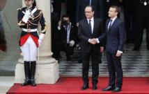 Le nouveau président Emmanuel Macron entre à l'Elysée