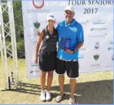 El Kebir Haggouch en compagnie de la n°1 du golf national, Maha Haddioui .