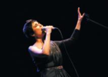 Vakia Stavrou, une voix envoûtante de la Méditerranée qui chante l'amour dans tous ses états