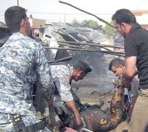 Un soldat américain tue cinq de ses camarades dans une clinique à Bagdad : Cinq policiers tués dans un attentat