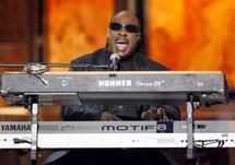 Clôture en toute beauté avec Stevie Wonder et Alicia Keys : Les belles notes du roi de la soul