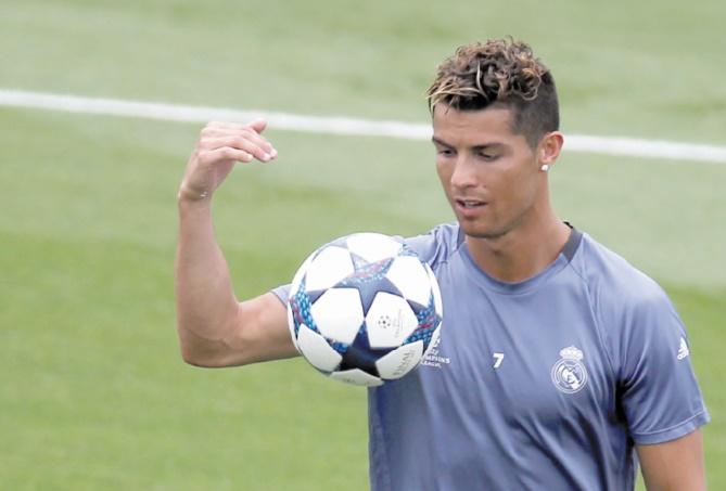 Cristiano Ronaldo Finale avec vue sur le Ballon d'Or