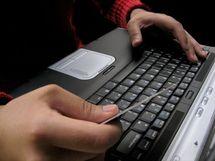Plusieurs contraintes empêchent le développement du secteur : Le commerce hésite à entrer en ligne