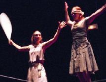 « Le fil sous la neige » présente « Les colporteurs » à la Place Al Amal : Ballet aérien à Agadir