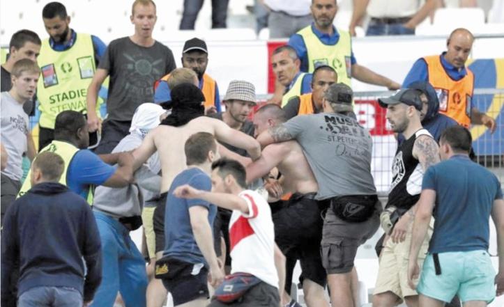 Les hooligans russes sous haute surveillance avant le Mondial 2018