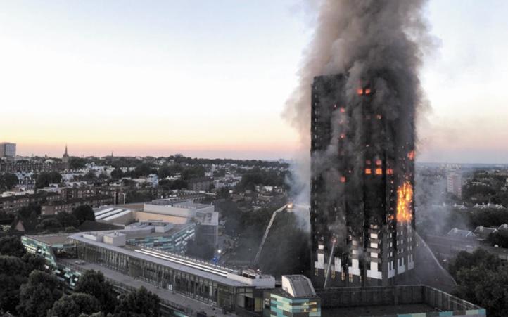 Au moins six morts et de nombreux disparus dans l'incendie d'une tour HLM à Londres