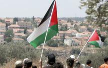Le président de l'Autorité palestinienne exige le gel des constructions dans les colonies