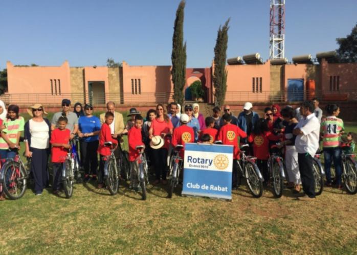 Don de vélos organisé par le Rotary Club de Rabat au profit de l'enfance défavorisée