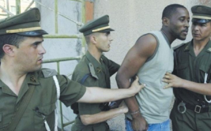 Alger maltraite ses migrants tout en chargeant Rabat