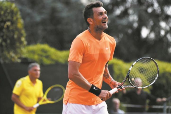 Maldini, immense champion au foot, un peu juste au tennis