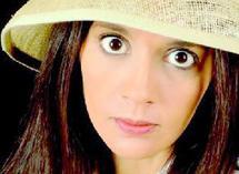 L'humoriste franco-marocaine en tournée en France : Sophia Aram «a du plomb dans la tête»