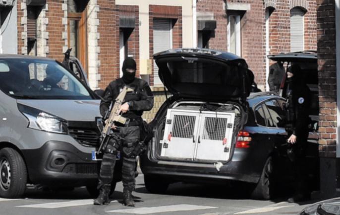 Projet d'attentat déjoué : un Français soupçonné d'avoir fourni des armes aux Belges